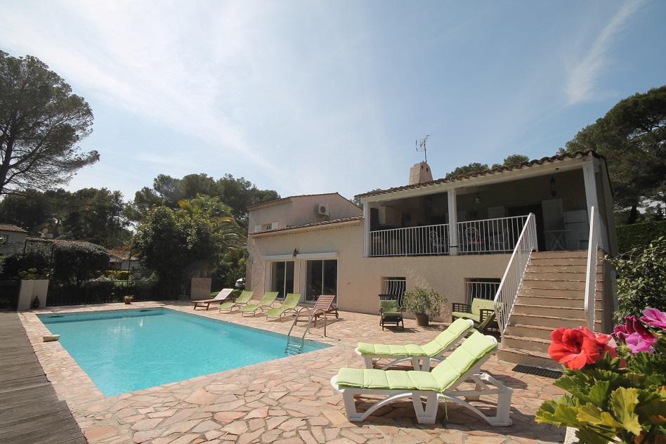 Location vacances antibes villa louer 10 personnes al056 for Villa louer vacances