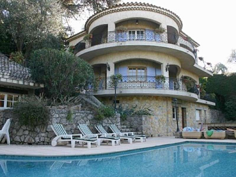 Location villas de luxe c te d azur saint tropez monaco for Belles villas modernes
